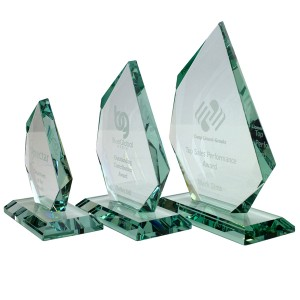15cm Jade Glass Facetted Ice Peak Award